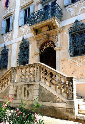 Палац Бесенги-дель-Ульї